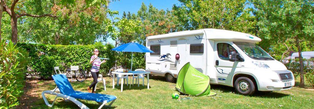 Un bel emplacement de camping-car (camping Le Florida).